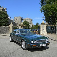 Queen's Daimler up for auction
