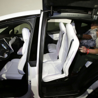 Tesla recalls SUVs over seat issue