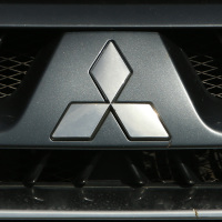 Mitsubishi apologises after falsifying fuel efficiency data