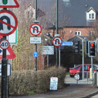 Taskforce to look at removing 'pointless' road signs