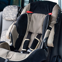 Safety fears spark child car seat recall